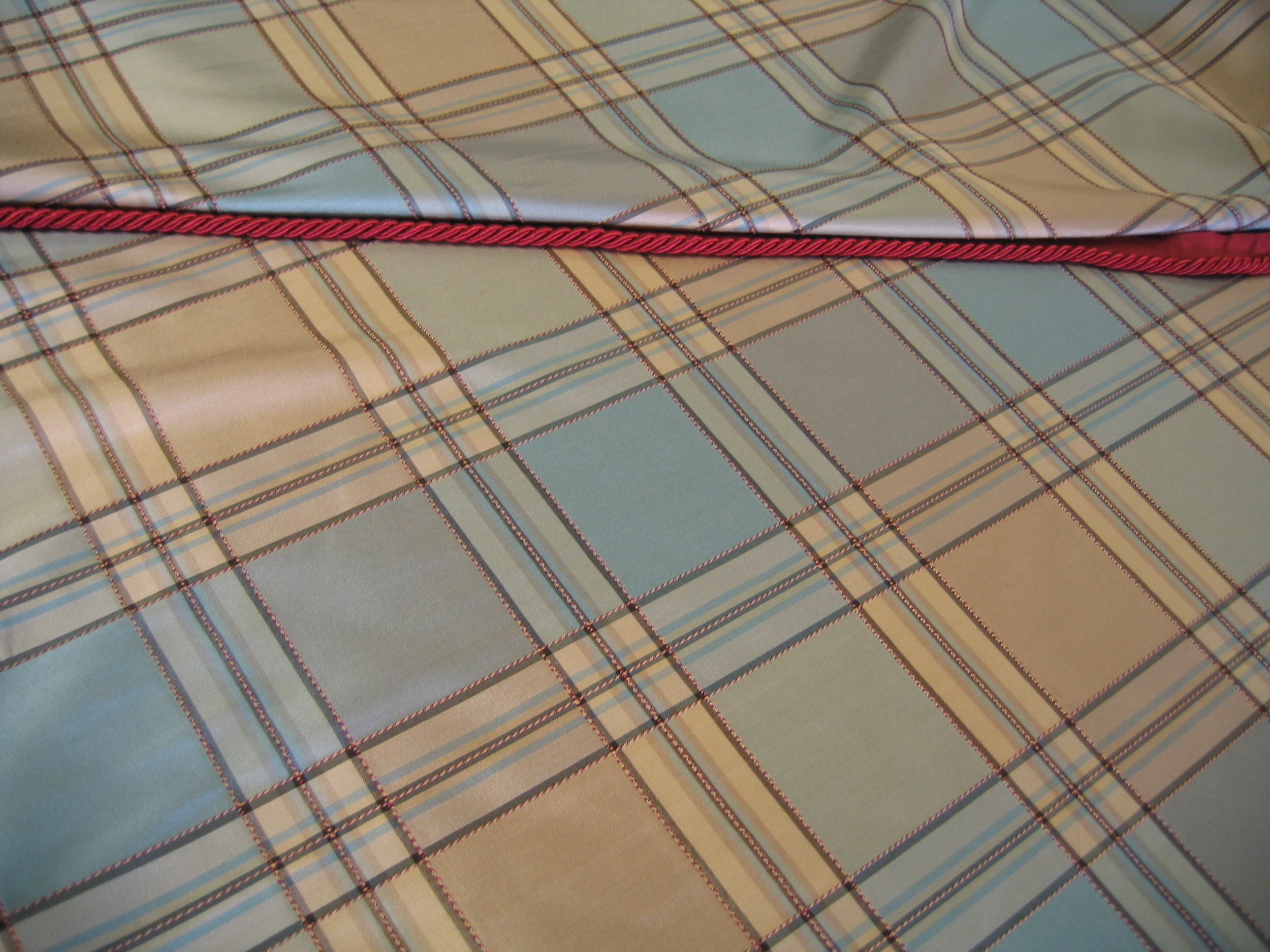 Today I am continuing to work on Stationary London Shades (fabric & trim shown here)