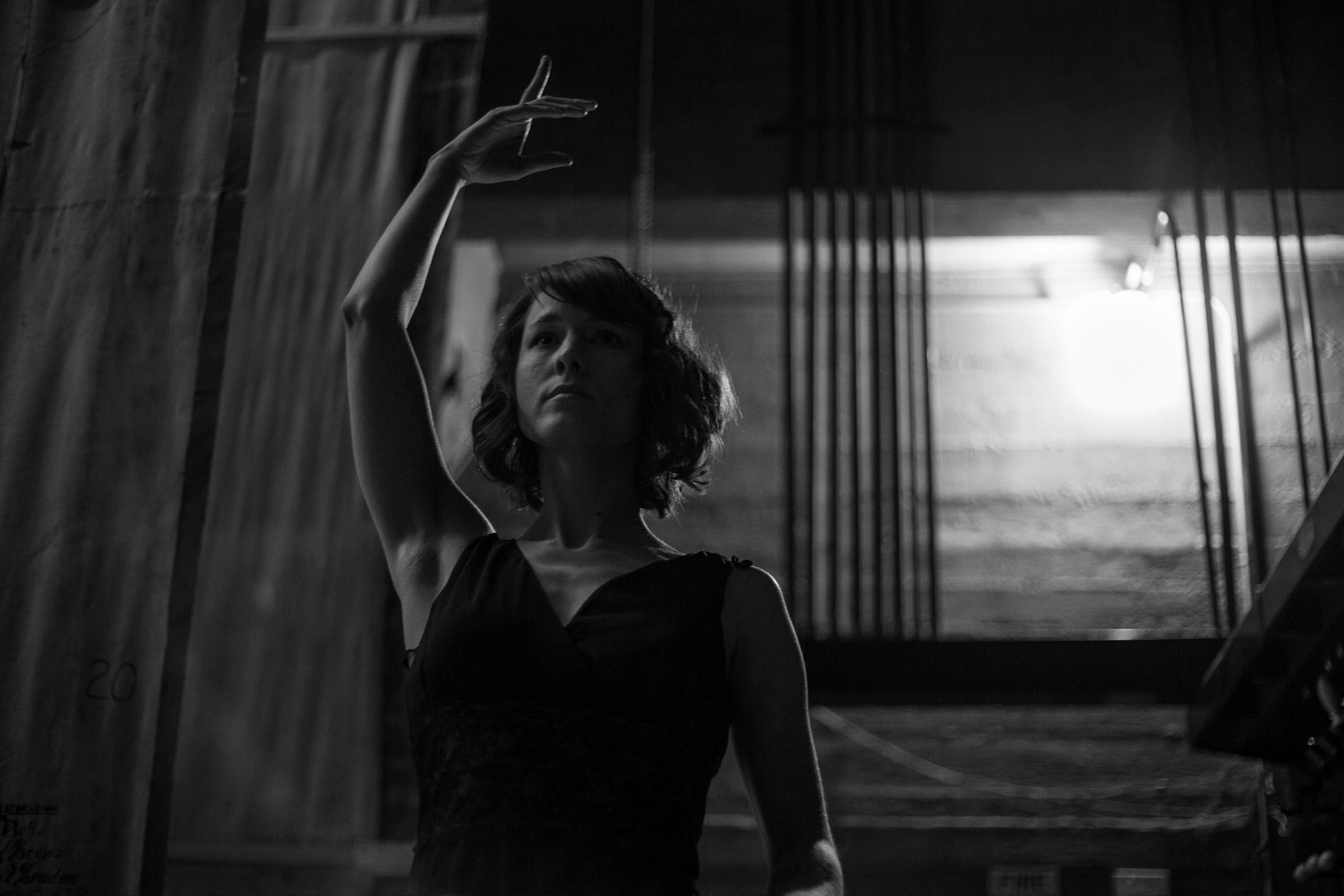 Amanda, Dancer
