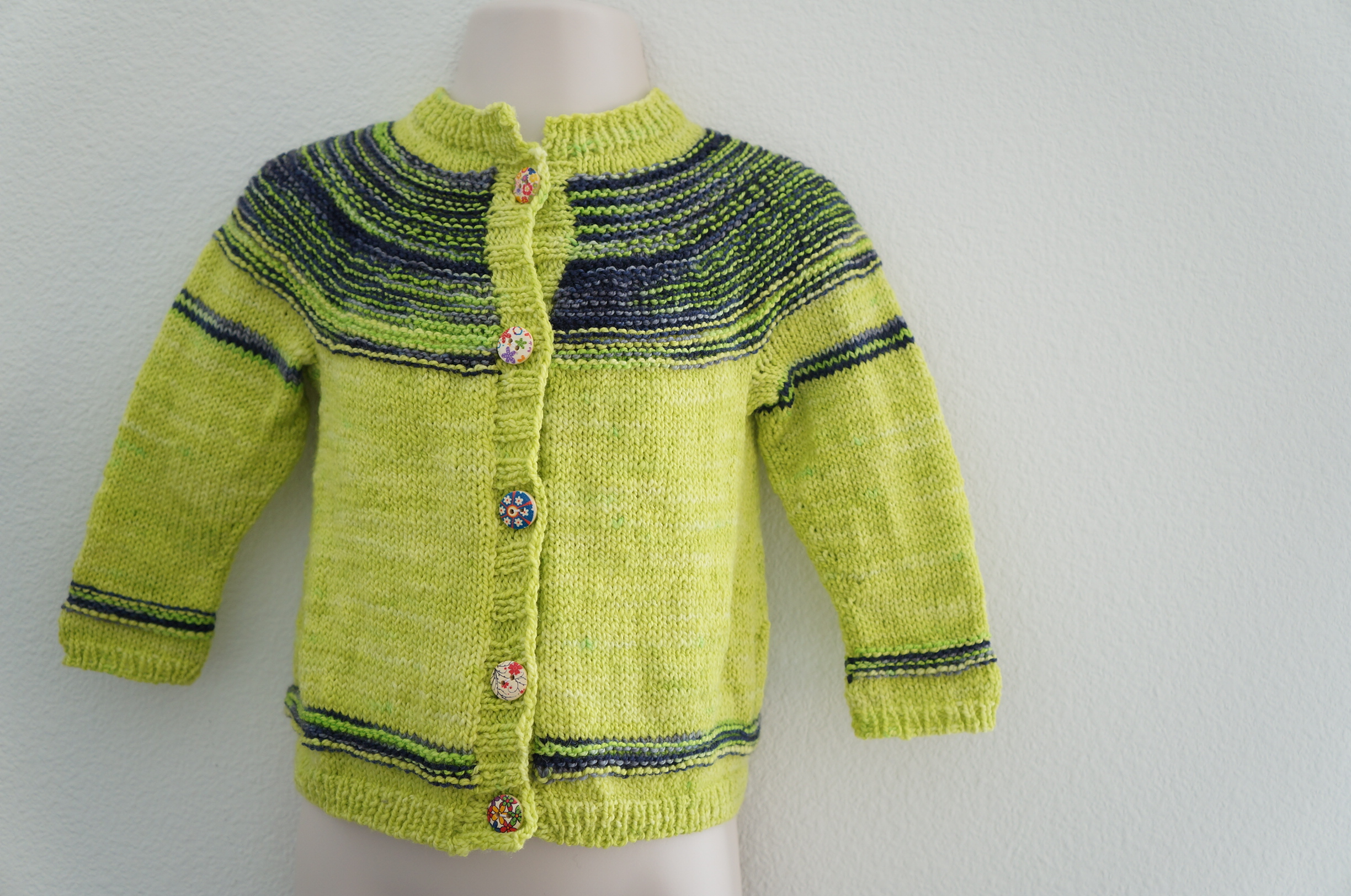Pattern: Playful Stripes Cardigan by Alana Dakos | Yarn: Oink Pigment Sport | Handmade by Candy & Bagel