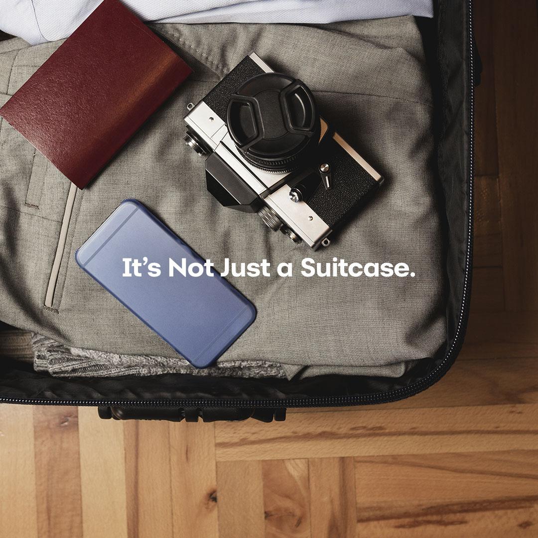 SYNC_NJAP_Instagram_Carousel_1080x1080_01_Suitcase.jpg