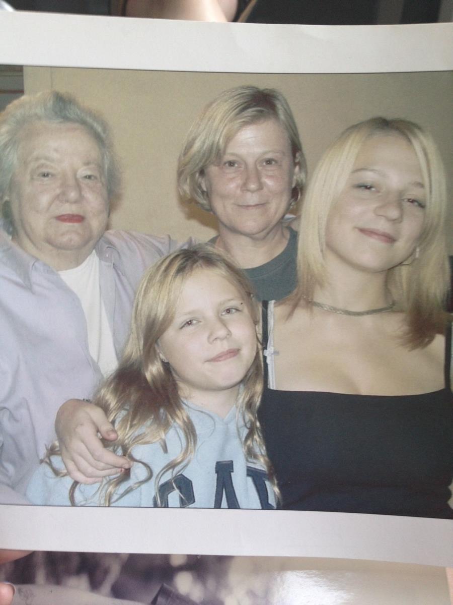 Maisie's 18th birthday, Dowlas Street, 2002, Nan-Nan, Phoebe, Di, Maisie.