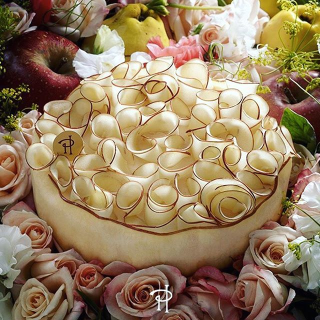 Rose apple quince mascarpone sablé Breton...you must try this ethereal seasonal creation at @pierrehermeofficial before it's no longer!- - 📷 @pierrehermeofficial #regram