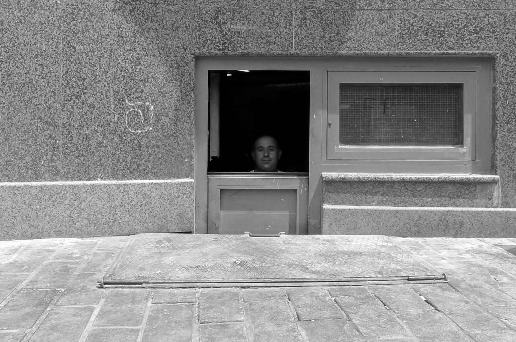 imad-haddad_box-door.jpg