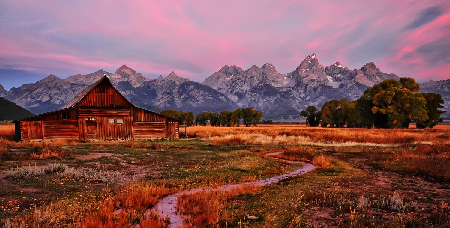 september-color-at-the-barn-by-jeff-clow.jpg