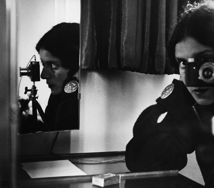 Self-portrait in mirrors – Ilse Bing, 1931