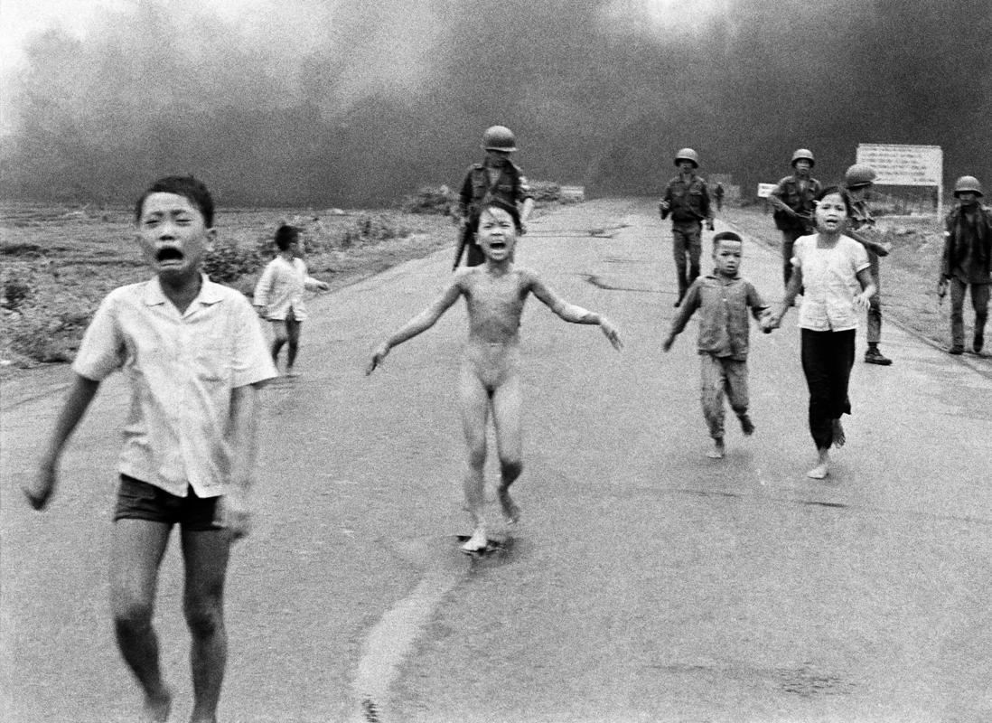 Napalm attack in Vietnam – Nick Út, 1972
