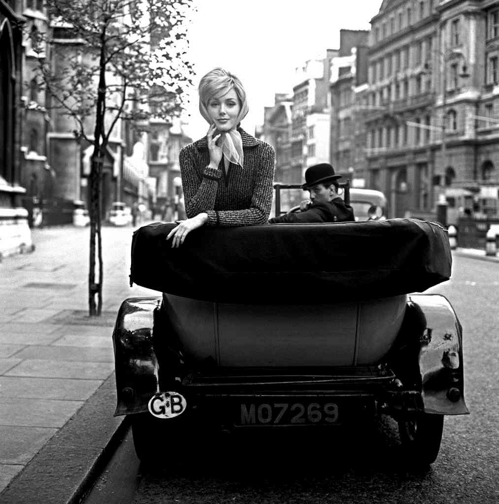 Lucinda Hollingsworth  in London 1959 by Georges Dambier