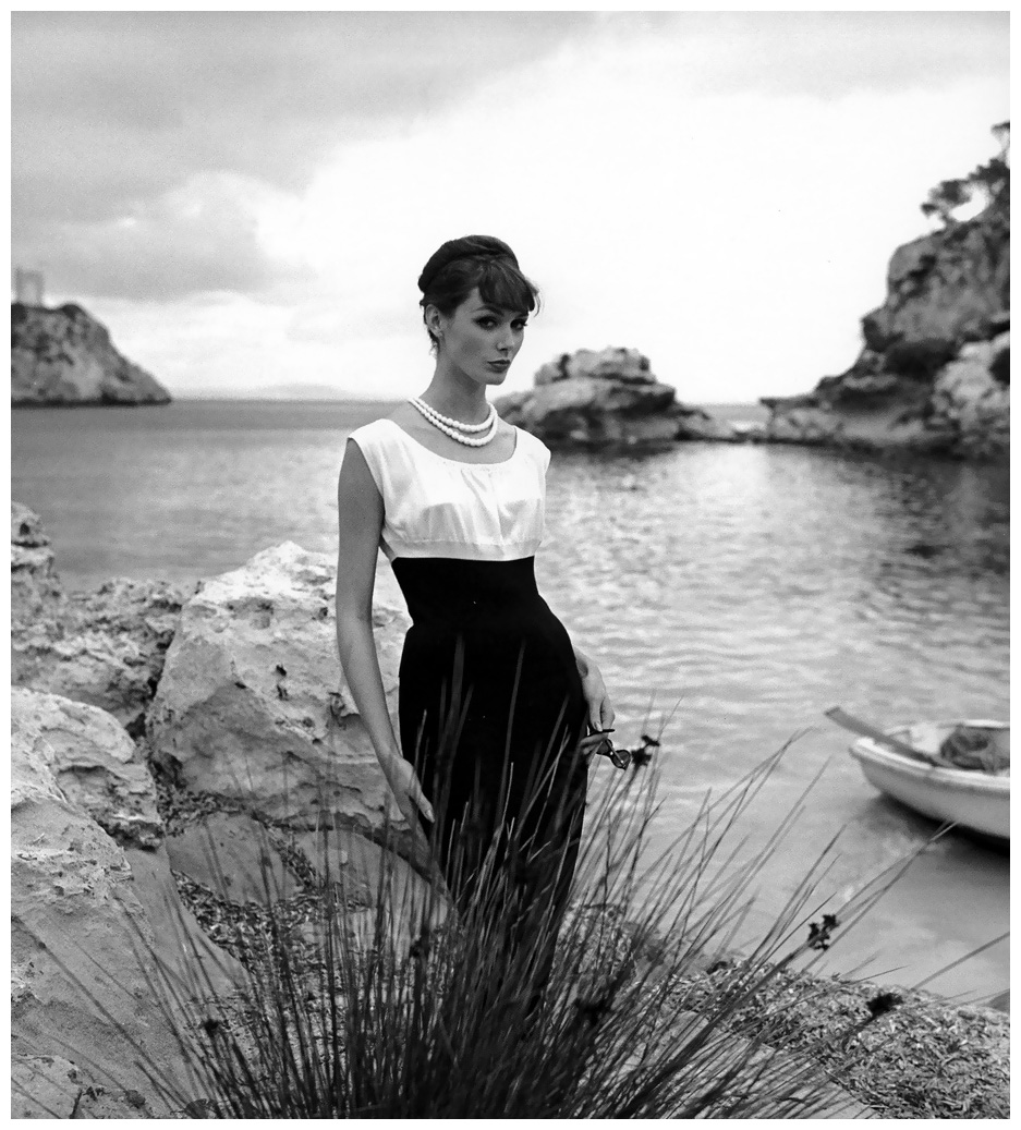Lucinda Hollingsworth, Palma de Mallorca, Spain, photo by Georges Dambier, 1958