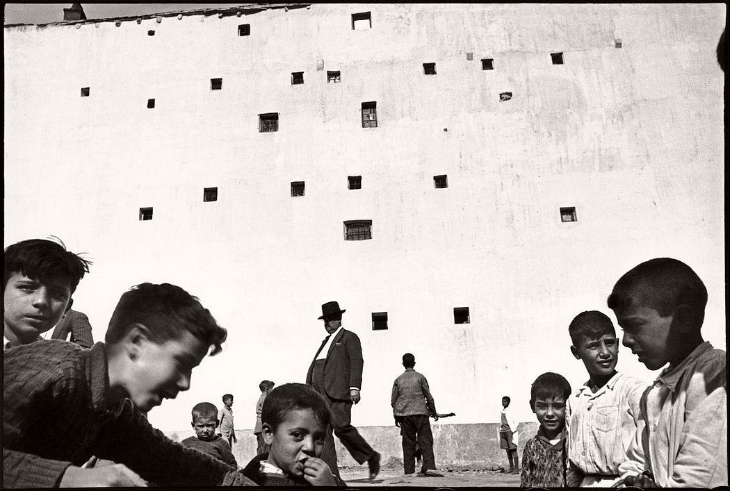 SPAIN. Madrid. 1933. ©Henri Cartier-Bresson / Magnum Photos