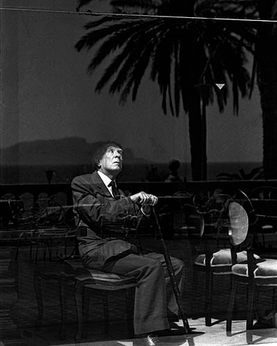 The Argentin poet Jorge Luis Borges in the Hotel Villa Igea, taken by the Sicilian photographer Ferdinando Scianna.