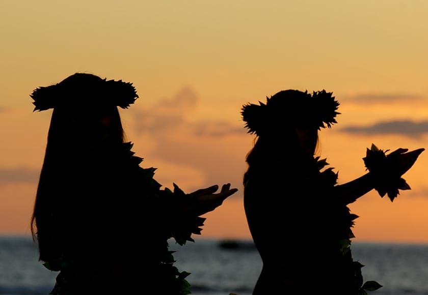hawaiian-luan-women-silhouette-840x580.jpg