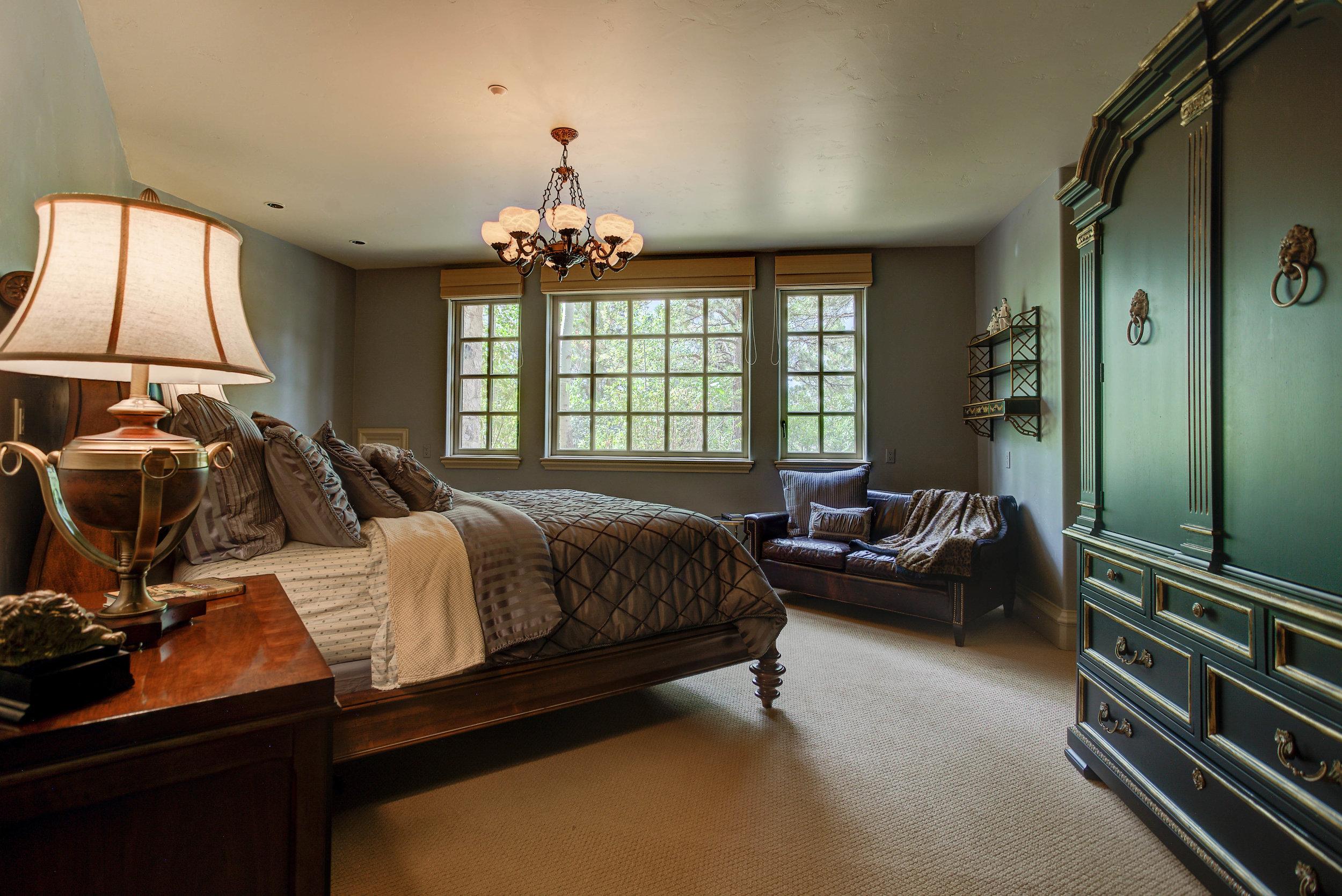 7+Eagle+Pointe+Lane_Bedroom2.jpg