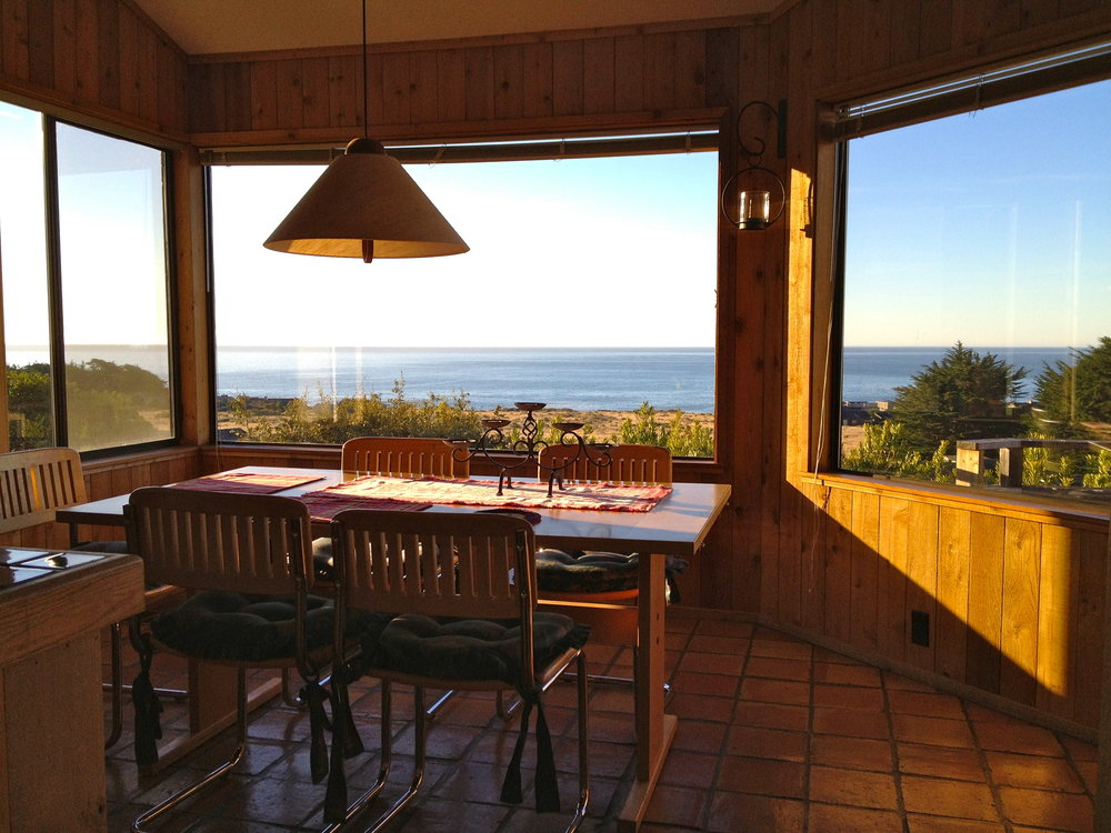 ... or enjoy cooking and meals with terrific ocean views, ...