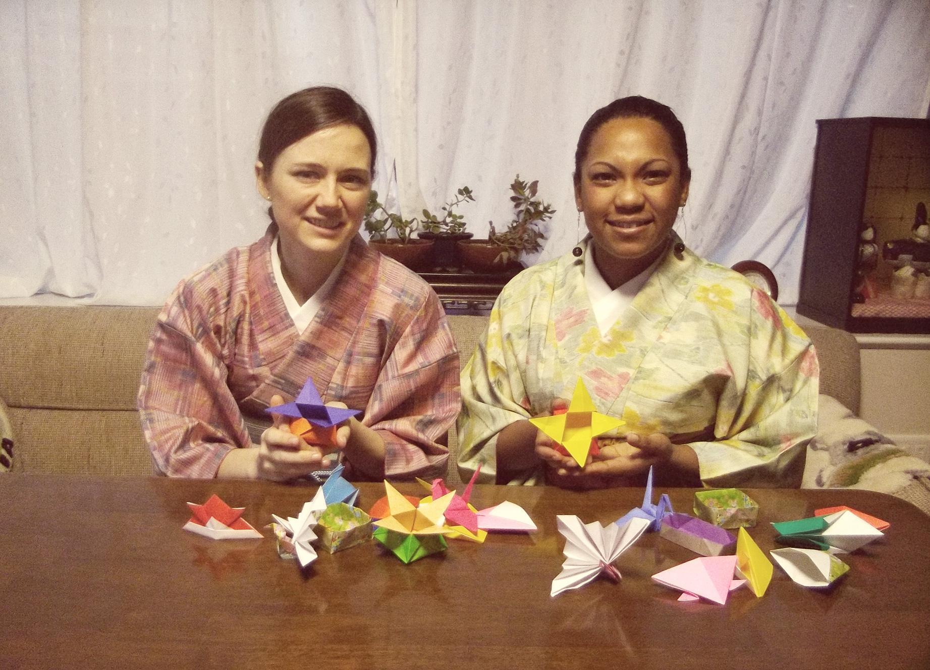 Origami-Erlebnis(Ochanomizu Origami Kaikan)   KYUSHU x TOKYO (JAPAN)   721x1000
