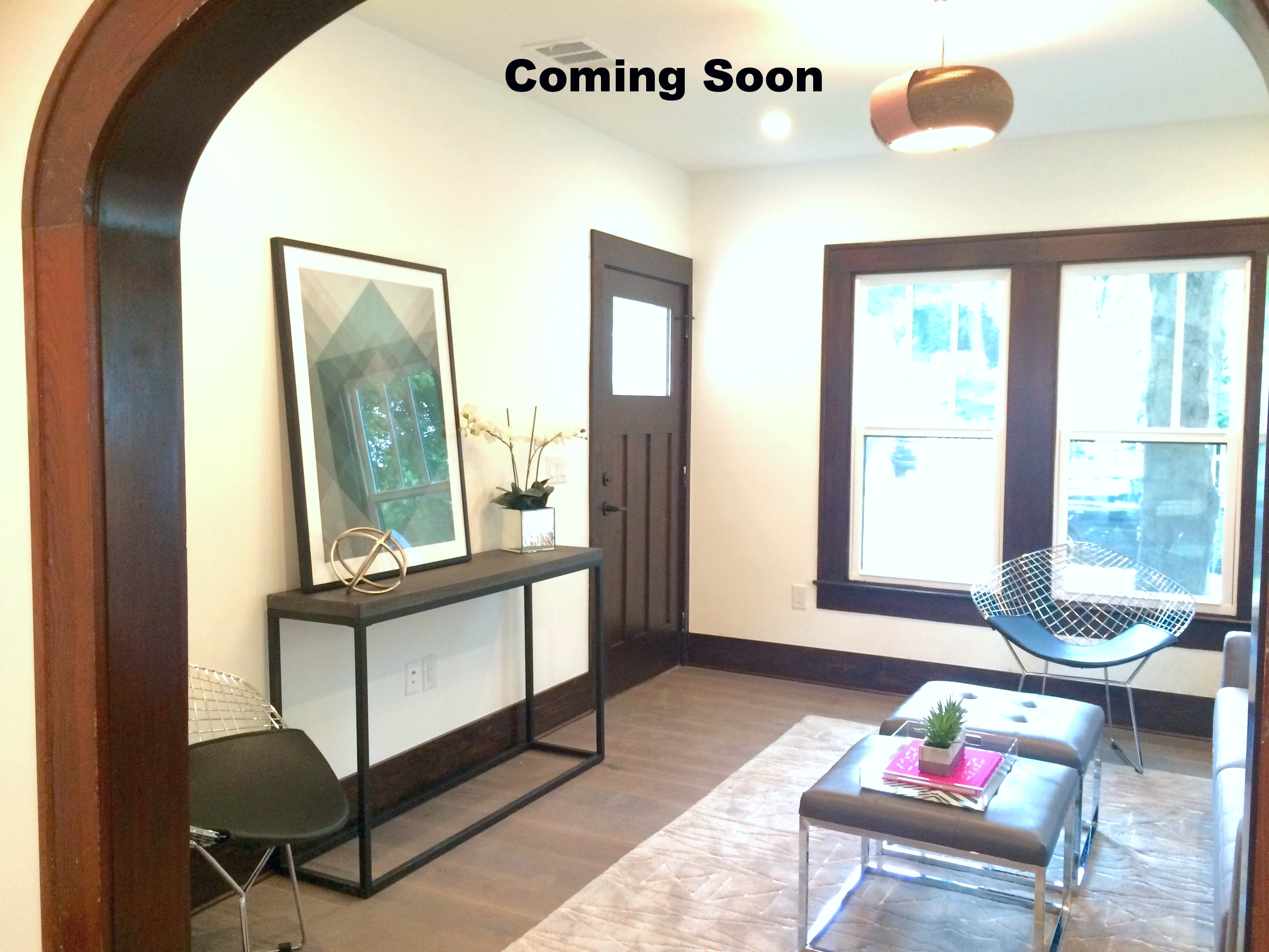 1930s East Austin Bungalow with addition! Some original wood trim. Pro images coming soon.