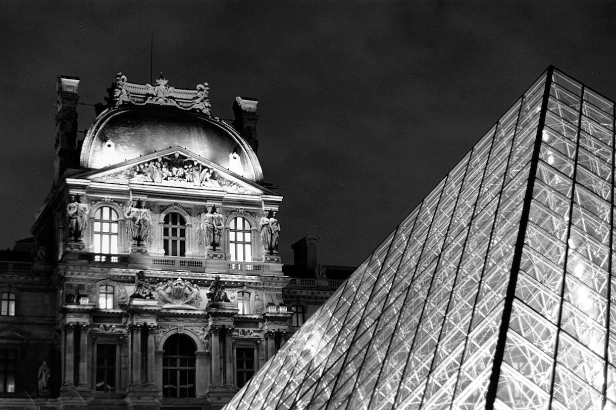 Musée du Louvre | Paris in Black and White | Bill McClave