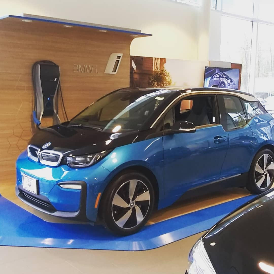 Who is ready to test drive electrifed cars. We are at @hudsonvalleybmw today and for six weeks. Event today from 10-4pm. #bmwi #bmwhudsonvalley #sethleitman #thegreenlivingguy #greenlivingguy #driveelectrichudsonvalley #hudsonvalley #driveelectrich (at BMW of the Hudson Valley)   https://www.instagram.com/p/Bp9vblLHKbp/?utm_source=ig_tumblr_share&igshid=1fm1ngfsc3smh