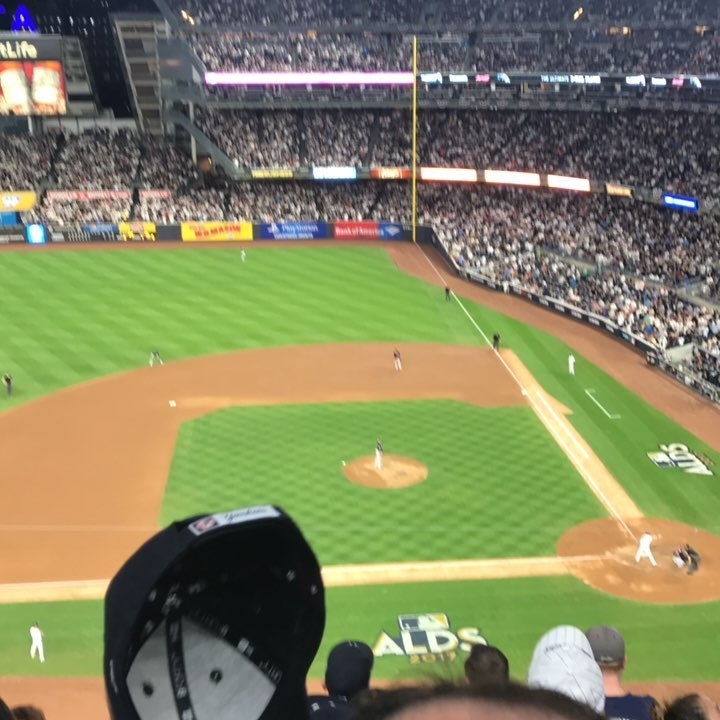 Oh boy this crowd is pumping now! #chasefor28 #ny #NYS #nyyankees #yankees  (at Yankee Stadium)