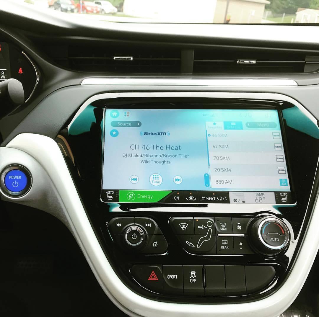 Brand new @chevrolet #bolt #digitaldash #electriccar so #driveelectrichudsonvalley #driveelectric #zeroemissions  (at Ossining , New York)