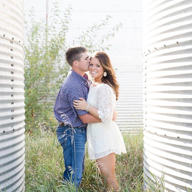 When your clients ask for grain bins, you give them grain bins ❤ (well really they gave me grain bins since they're the farmers 😉) #desmoinesiowa #desmoinesweddingphotographer #engagementphotos #iowaweddingphotographer #iowaengagementphotographer #stylemepretty