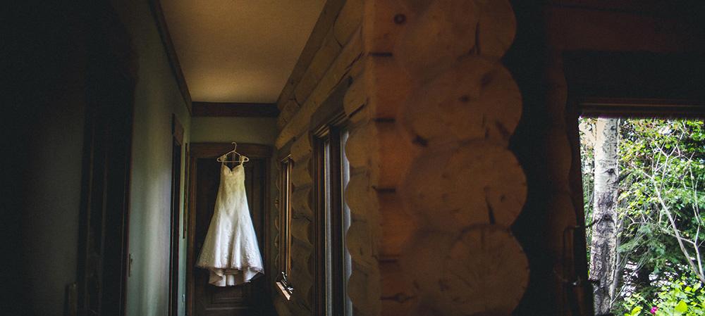 moody wedding dress photo-0010.jpg
