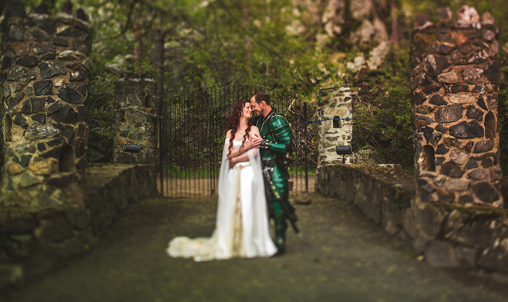 Heather Bobby Dunafon Castle Wedding-0011.jpg