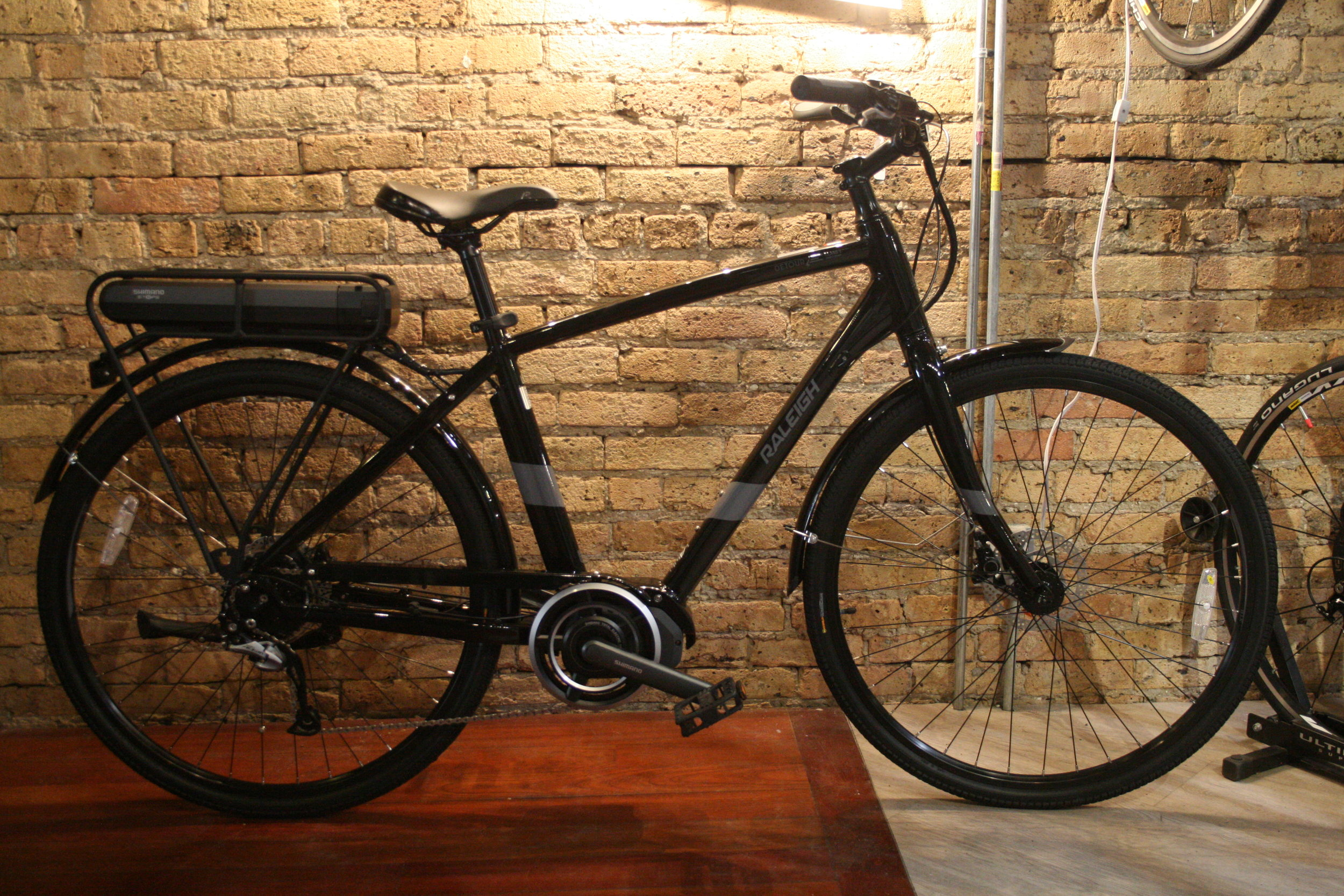**CLOSEOUT LAST CALL** RALEIGH Detour IE - WAS $2625 NOW $1799.99