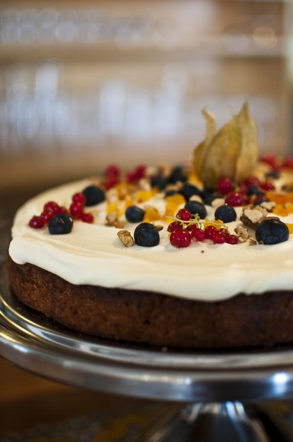 hellojlo_food_iceland_cake2.jpg