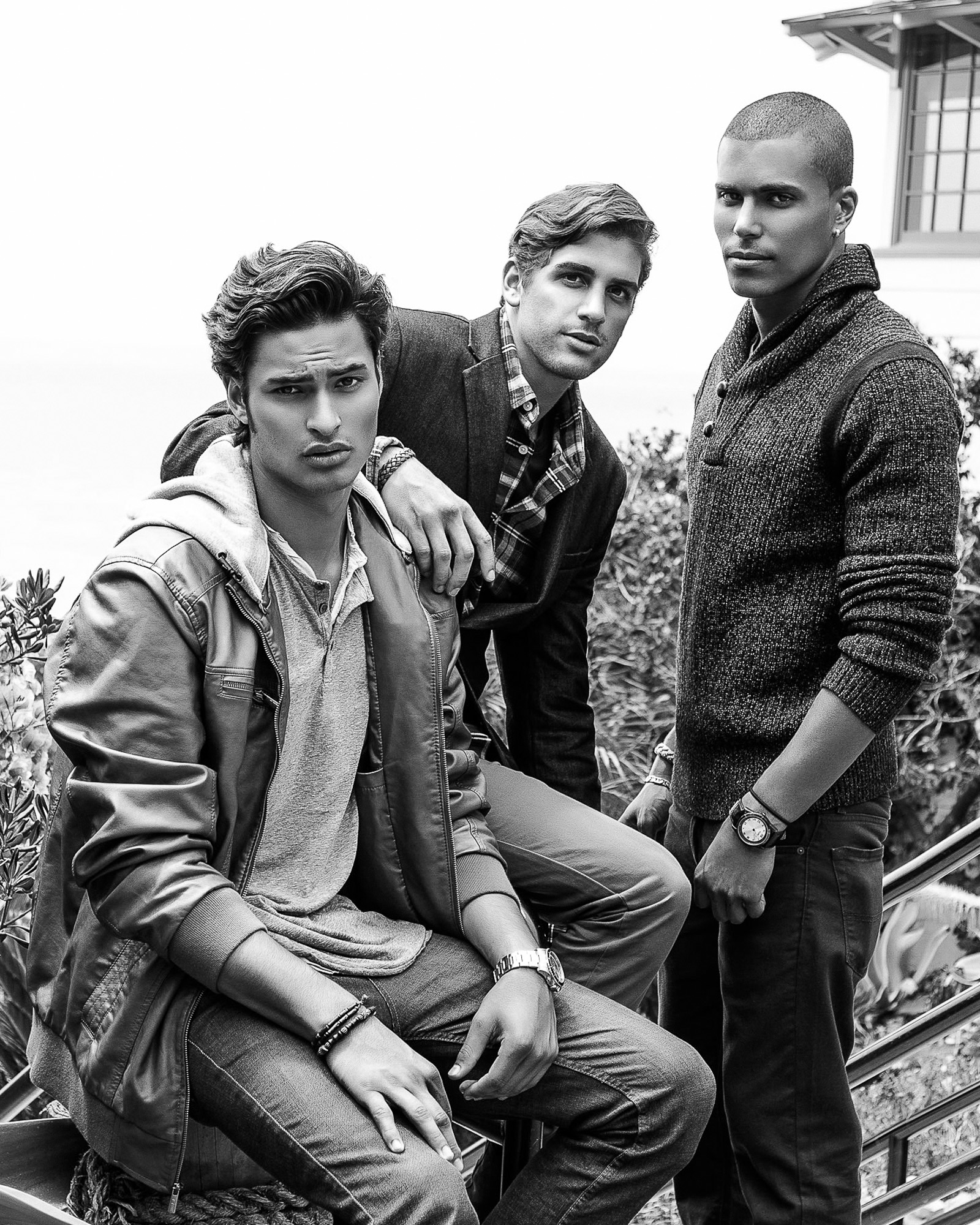 This was from the day when we had three boys hanging out and having lunch at Maro Wood Grill panorama. After the panorama shoot, we walked over to the beach to make some fashion shots. I have been trying to add shots with multiple models to my fashion portfolio. In 2014, you will see more and more images with multiple models in them.