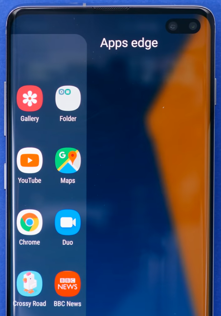 The Samsung Edge Panel allows you to quickly access your favourite apps