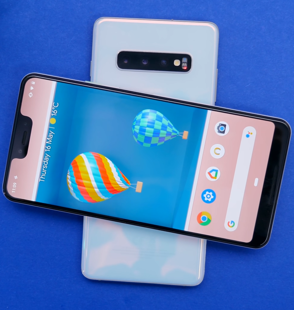 Some flagships, like the Samsung Galaxy S10 (Above), now come with reverse wireless charging. The iPhone does not.