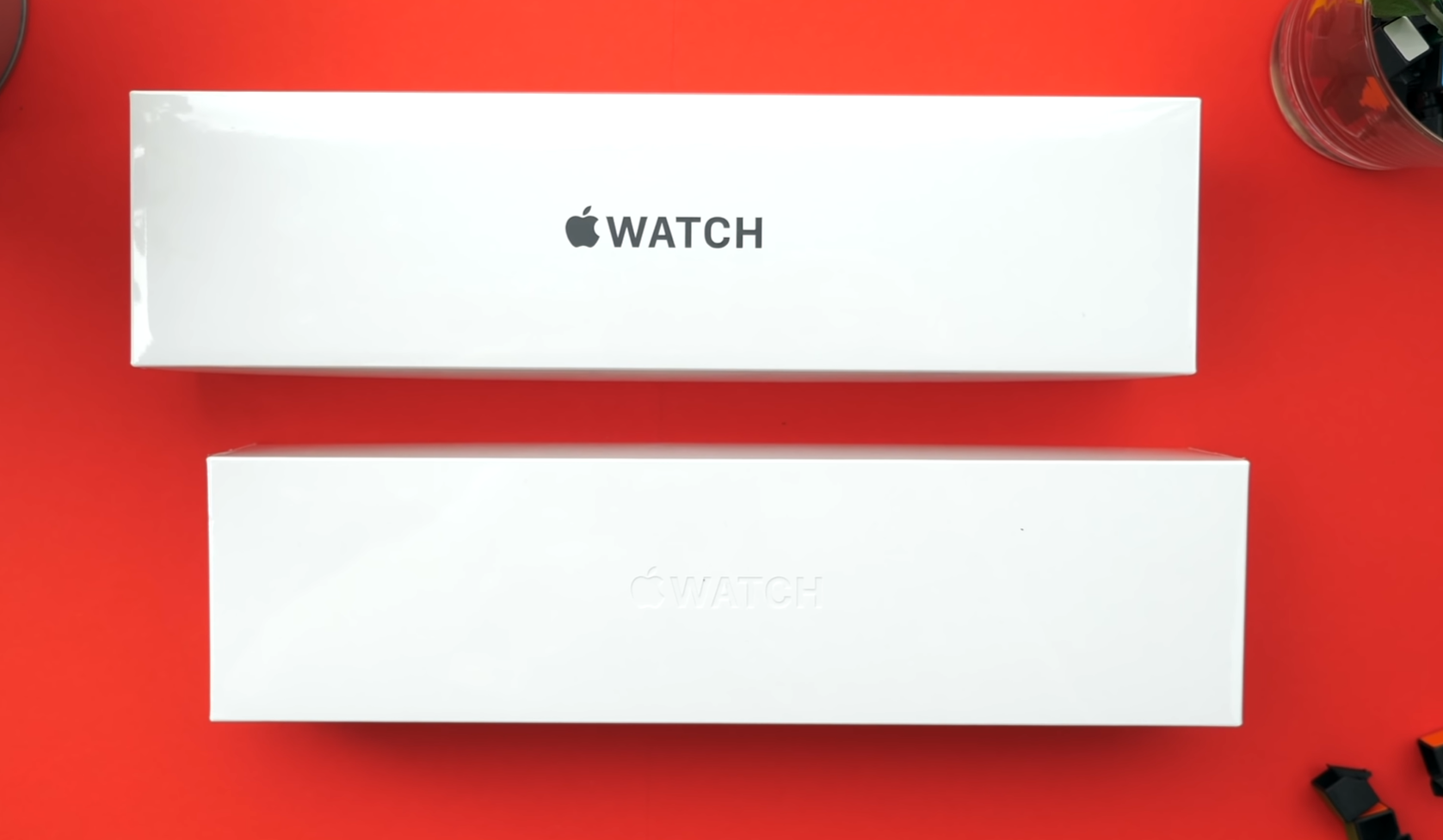 Design comparison between the Apple Watch Edition box (Top) and Stainless Steel Model box (Bottom)