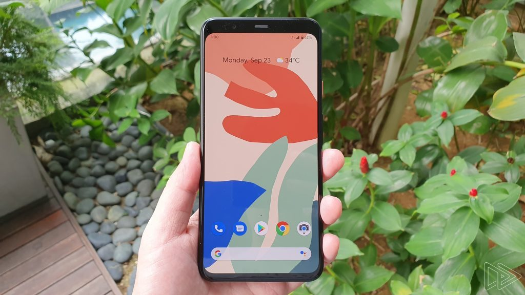 A hands on showing the forehead of the new Pixel 4 (Soure: 9to5Google)