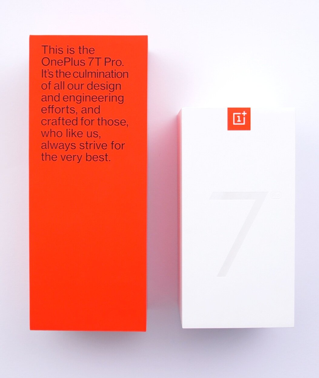 The size difference between the OnePlus 7T Pro Box (Left) and the 7 Pro (Right)
