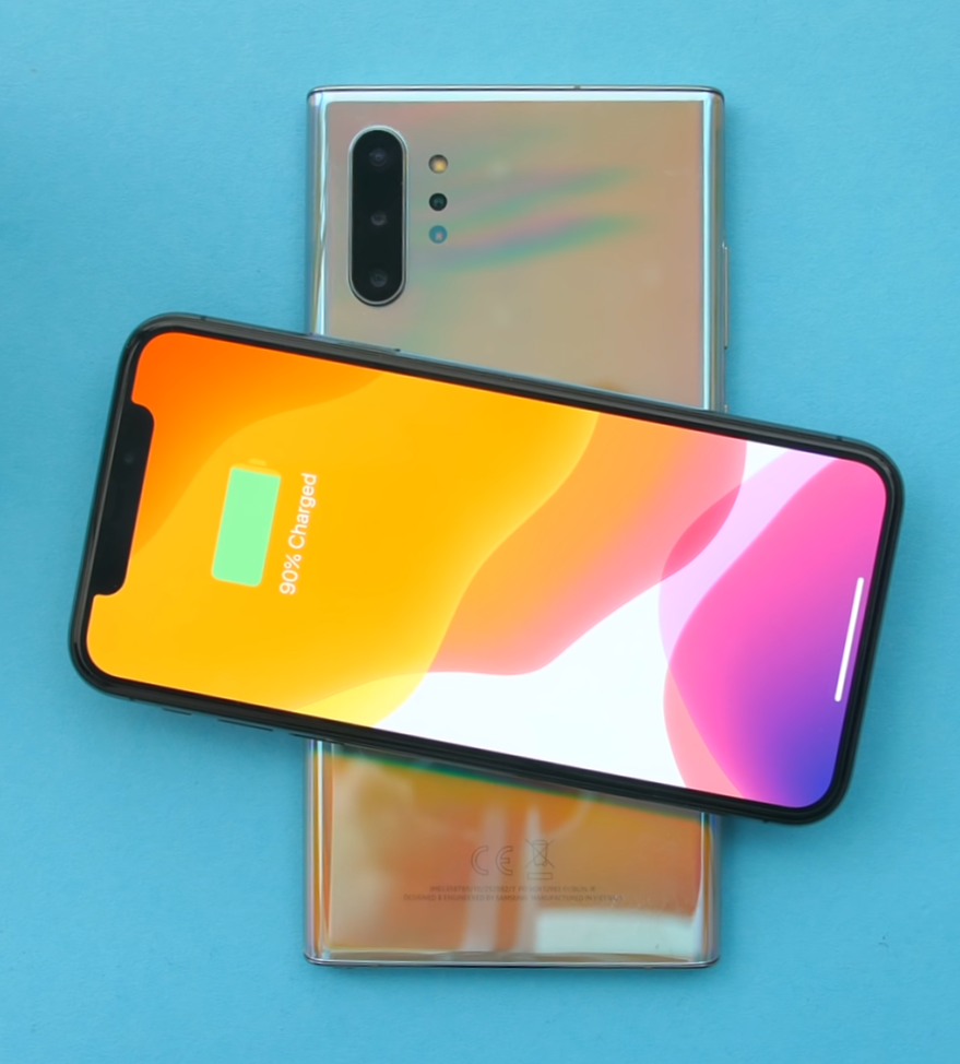 At the moment only Huawei and Samsung have phones that support reverse wireless charging