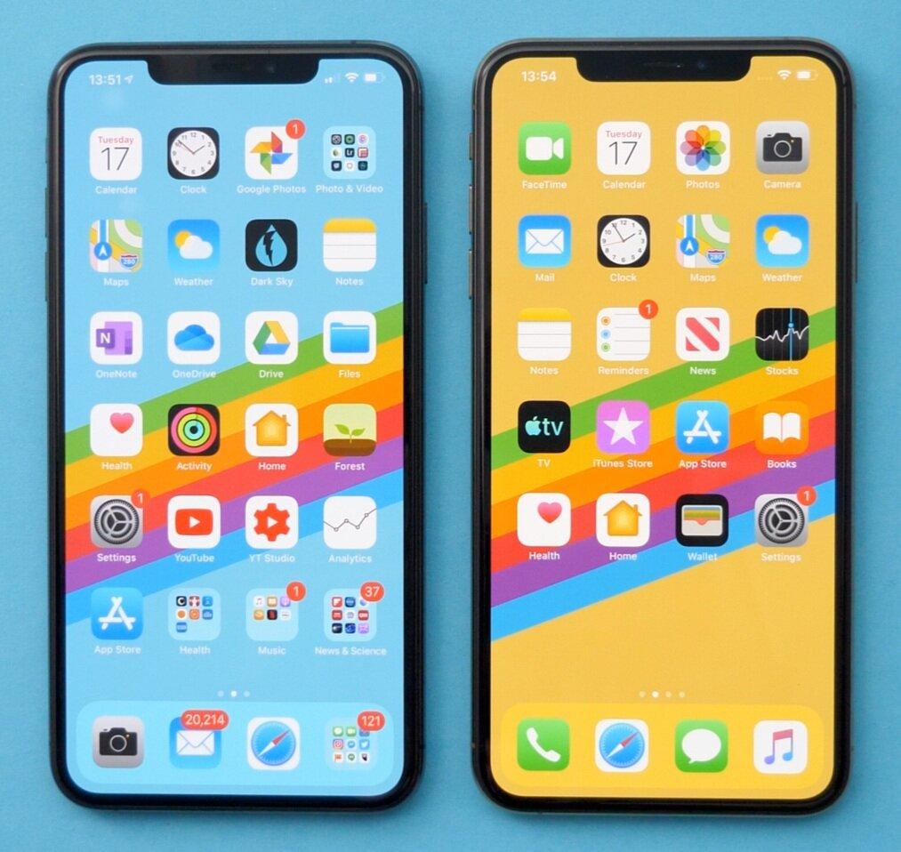 A design front on design comparison between the iPhone 11 Pro Max (Left) and XS Max (Right)
