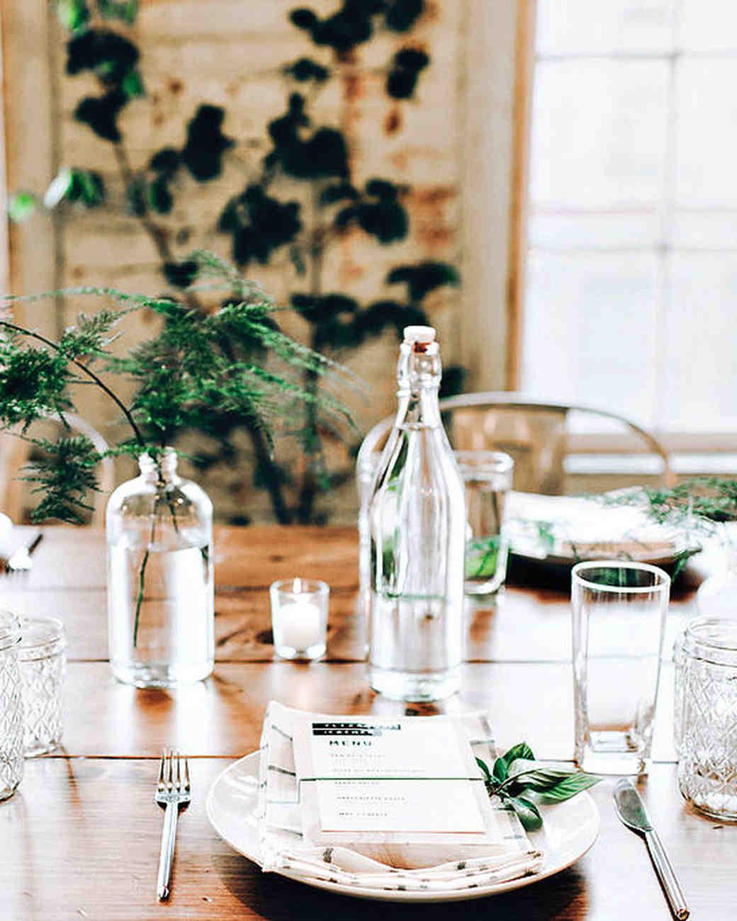 moira-dustin-real-wedding-centerpiece-place-setting_vert.jpg