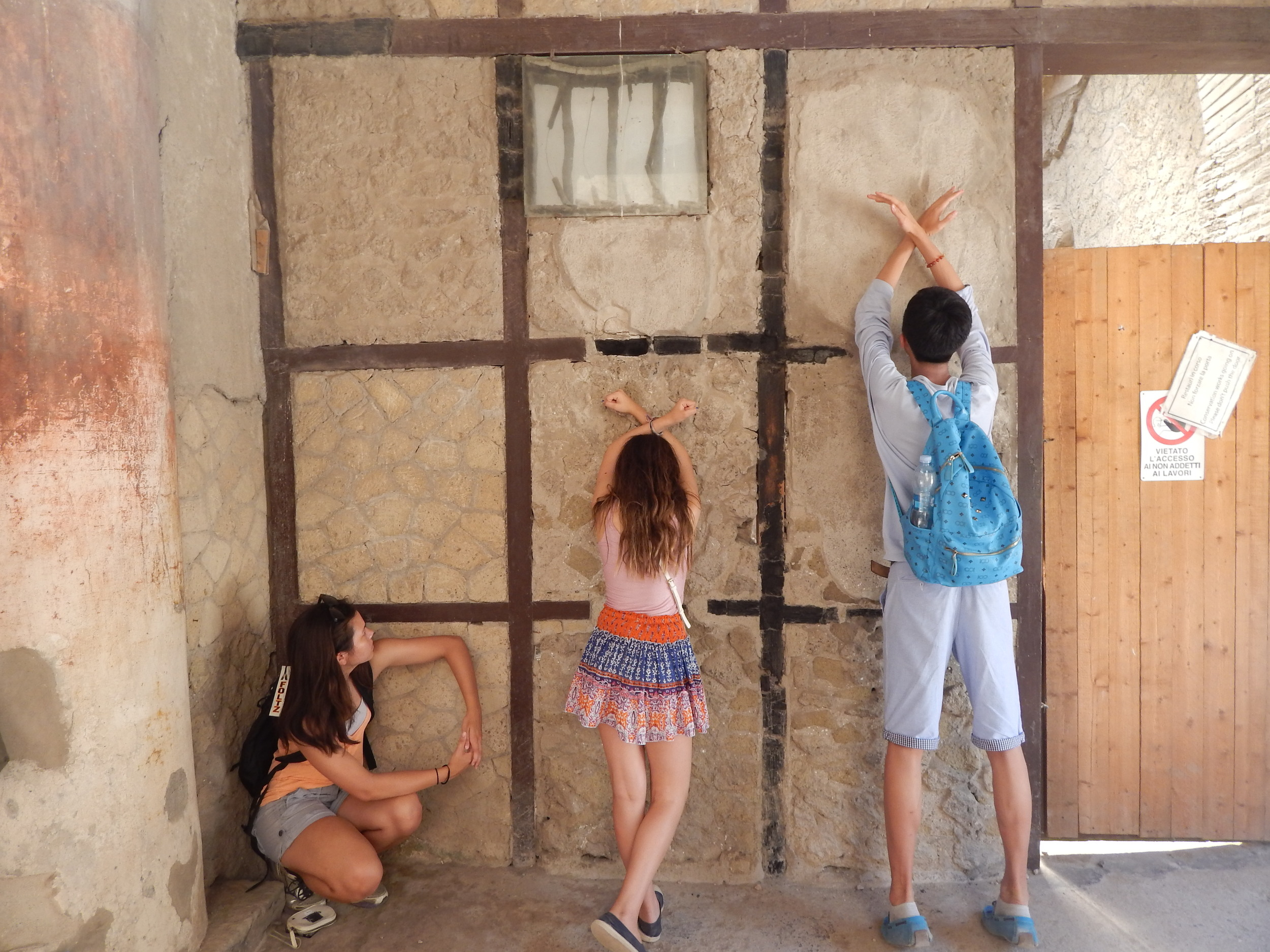 This must be how they played Tic Tac Toe in Herculaneum when the city was flourishing, before the devastation of Vesuvius :).