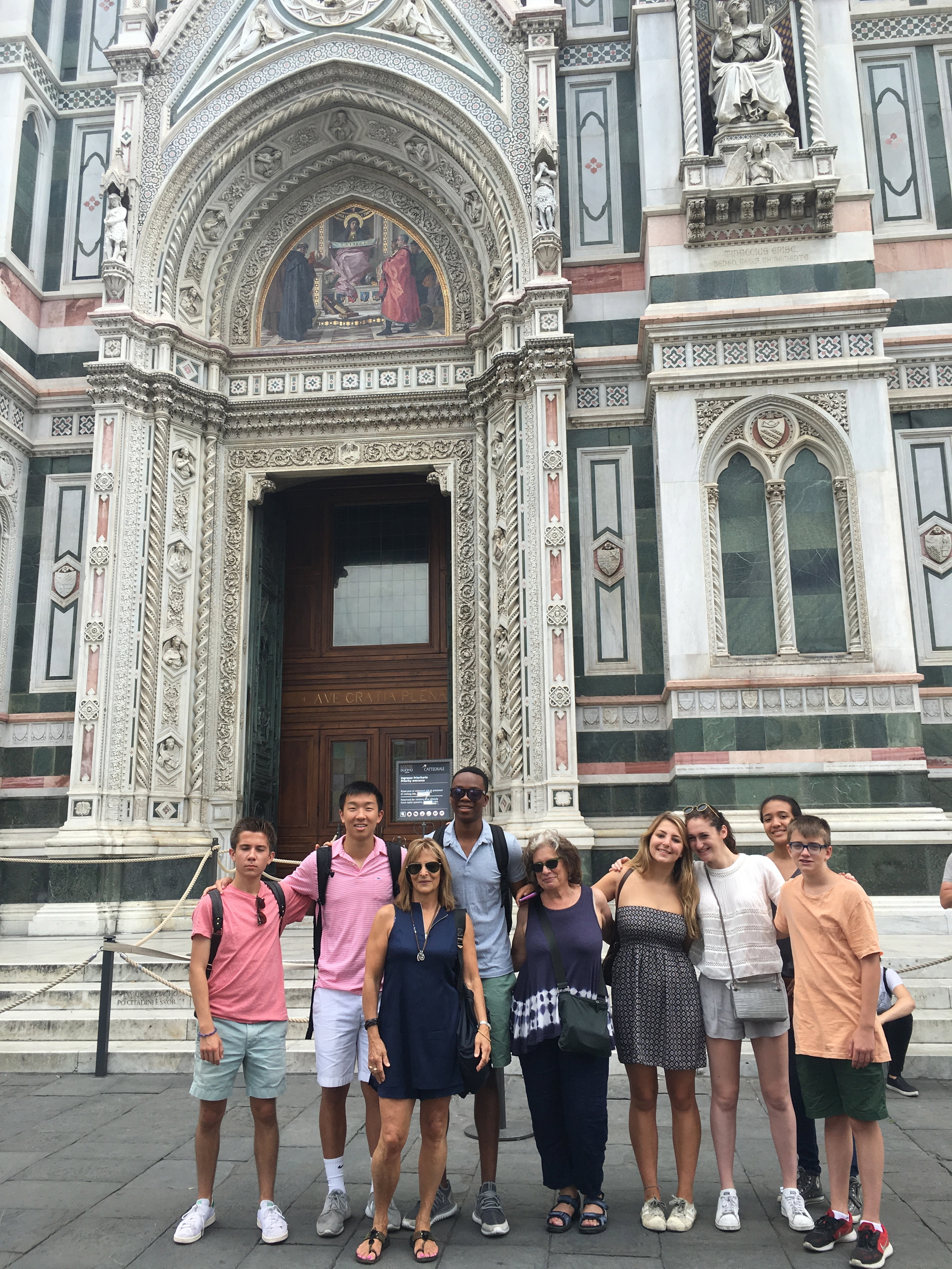 The whole group in front of the cathedral!