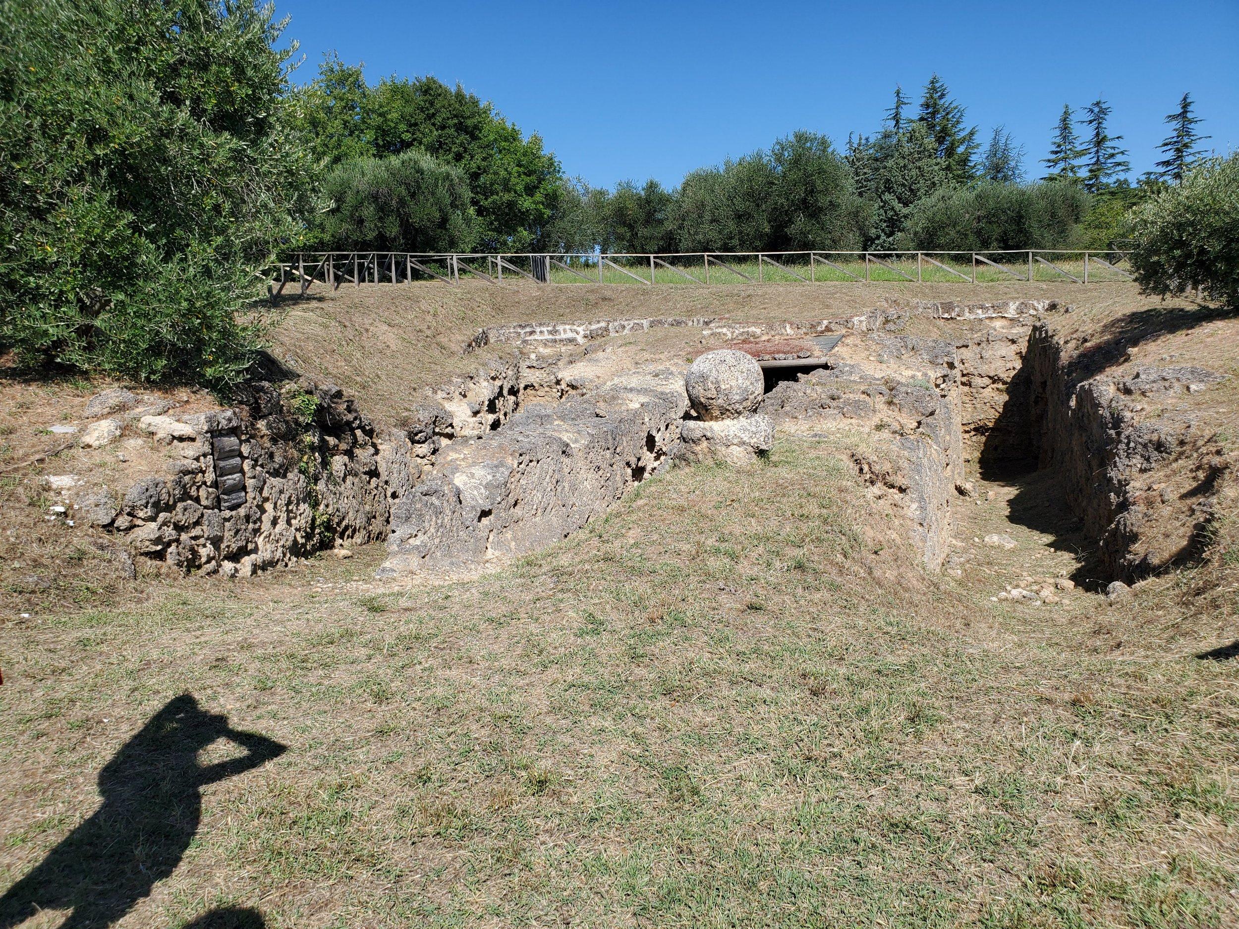 Sarteano tomb.jpg