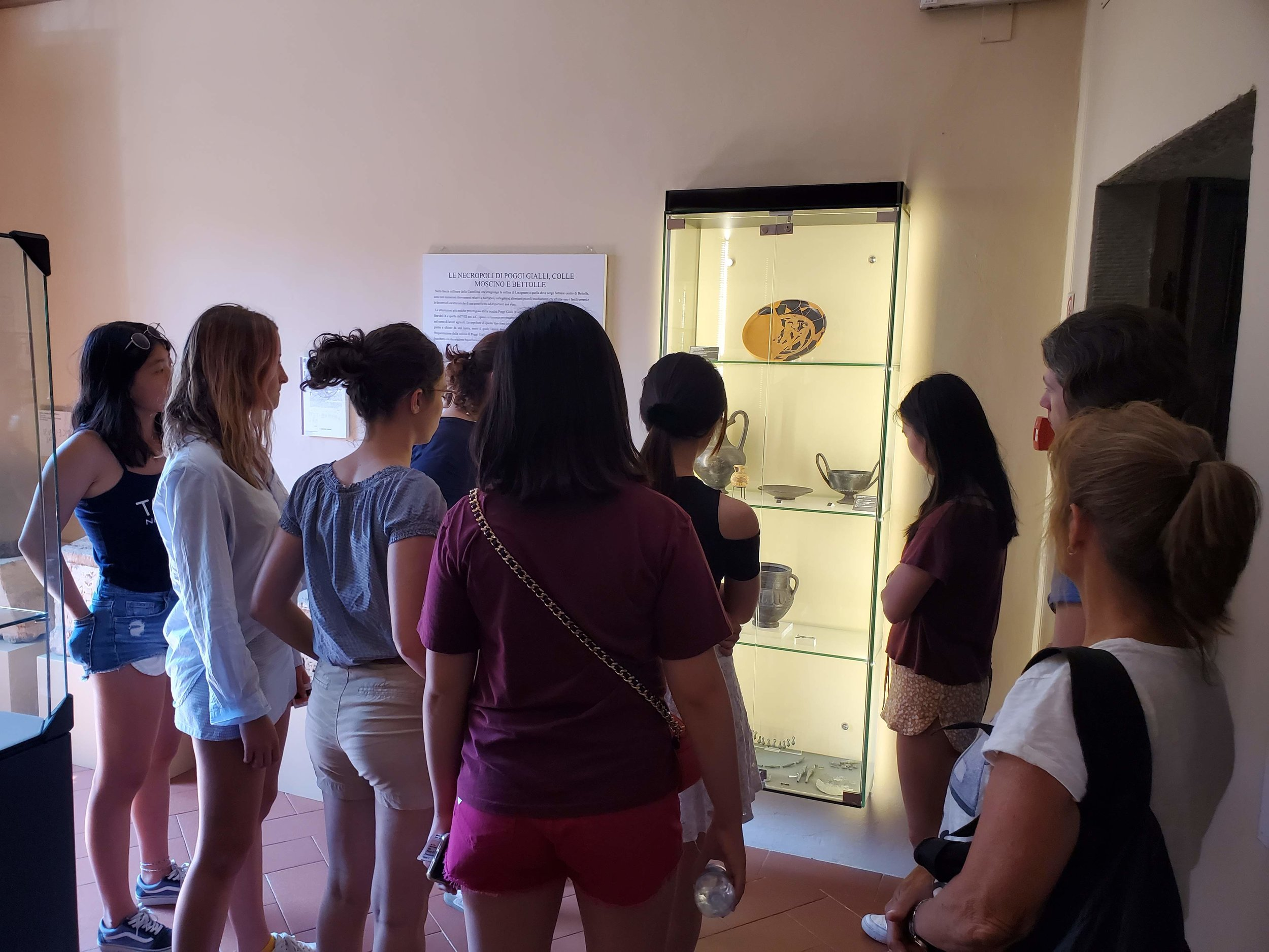 Etruscan artifacts.jpg