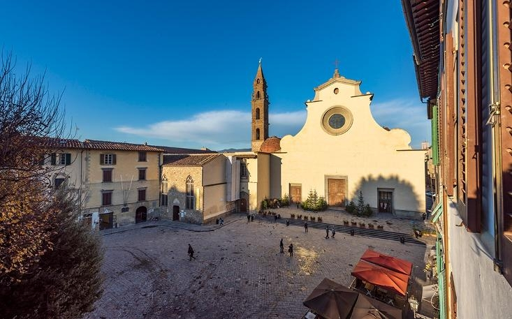 property$image$201812$1544612174137_Piazza_Santo_Spirito_Oltrarno.jpeg