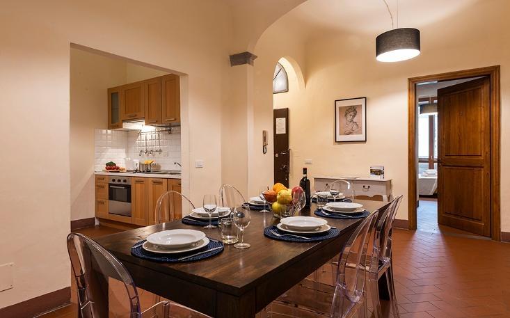 property$image$201812$1544696177668_Piazza_Santo_Spirito_Oltrarno.jpeg