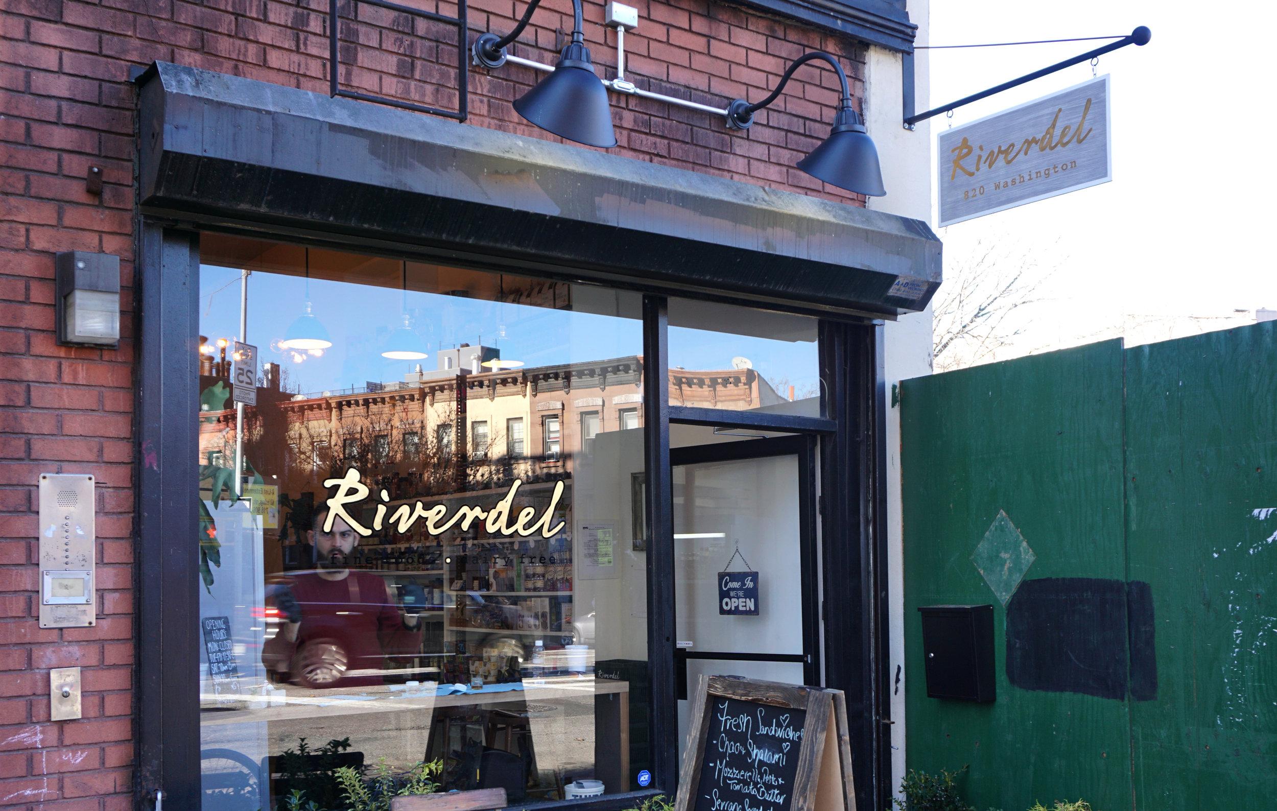 riverdel_02_resized.jpg