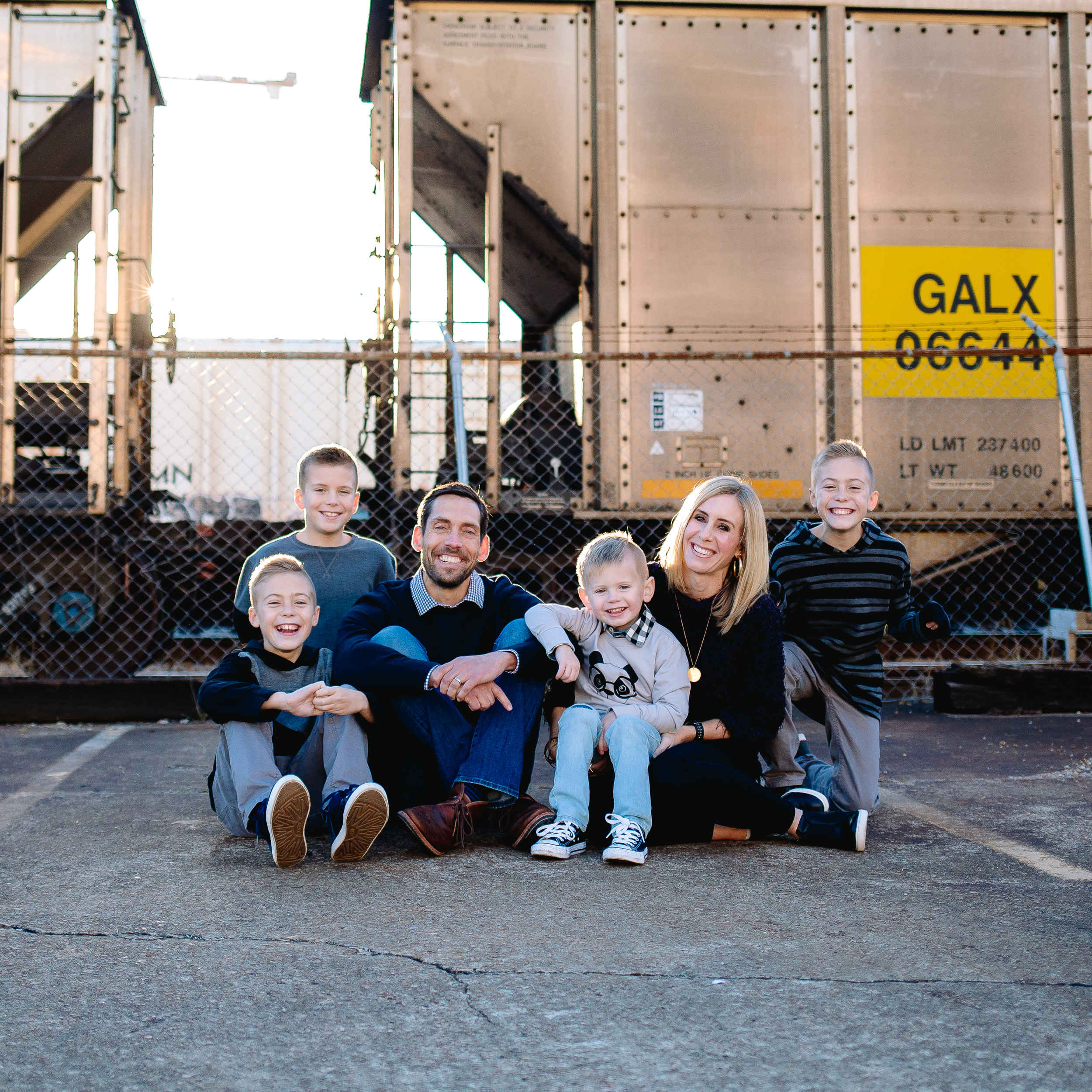 FAMILY OF SIX ATUNION STATION HOTEL -