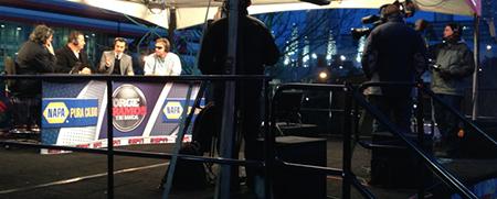 2014 Mexico World Cup qualifier game. NAPA branded desk ESPN Deportes.
