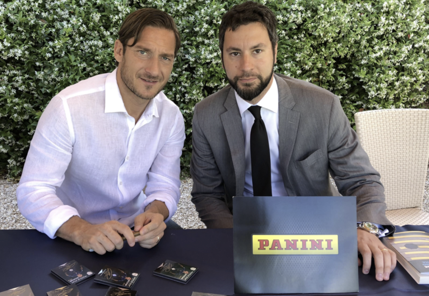 Totti signs with Panini