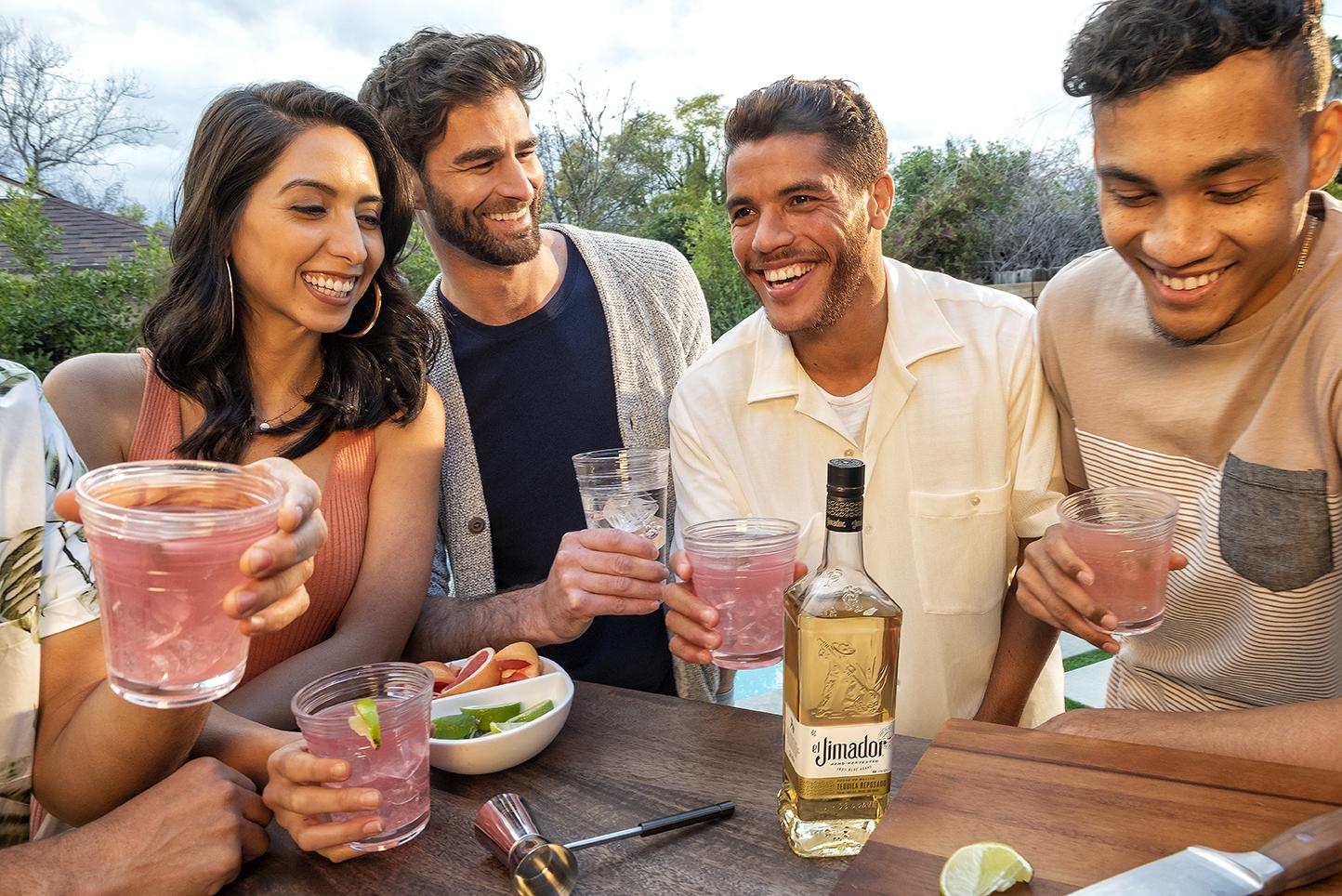 Tequila El Jimador - Brand ambassador: Jonathan dos SantosTarget: US Hispanic market 21+Content: 3 pictures + 2 videos (30')Distribution: Instagram - @jona2santosTimeline: June 18th, 2019 - July 11th, 2019