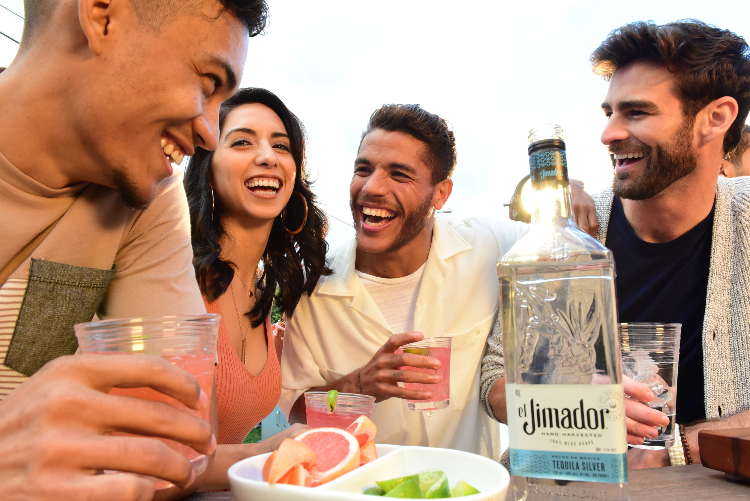 """PHOTO #2 - PICTURE: """"La receta perfecta""""Distribution: Instagram - @jona2santosCaption: """"Así preparo una paloma, refresco de toronja, limón, sal y el mejor tequila #Ad el Jimador Tequila 21+""""Release date: July 3rd, 2019"""
