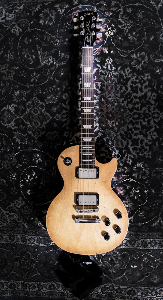 """Gibson Les Paul Standard with Bareknuckle """"The Mule"""" Pick Ups"""